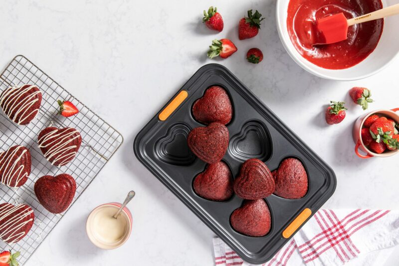 LC-P02-A_TIERED HEART CAKELET PAN