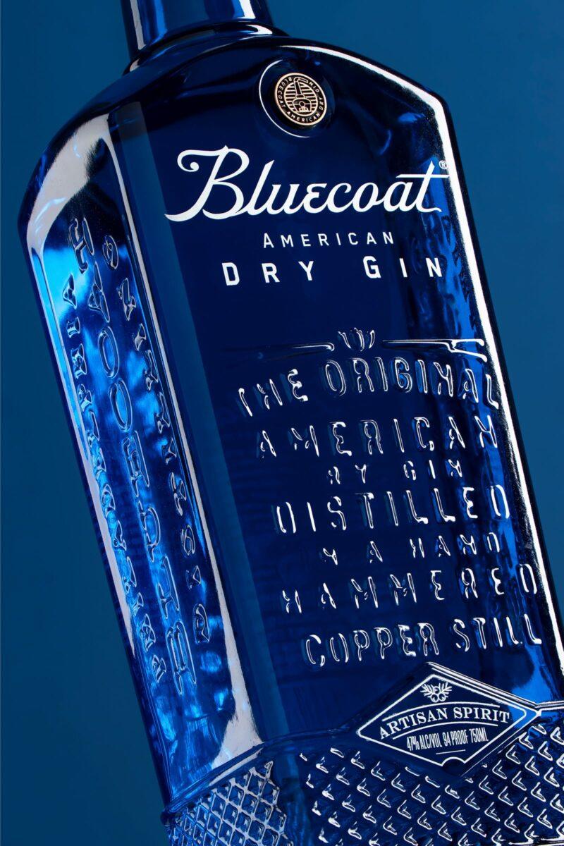 P07B v1 Bottle Close Bluecoat