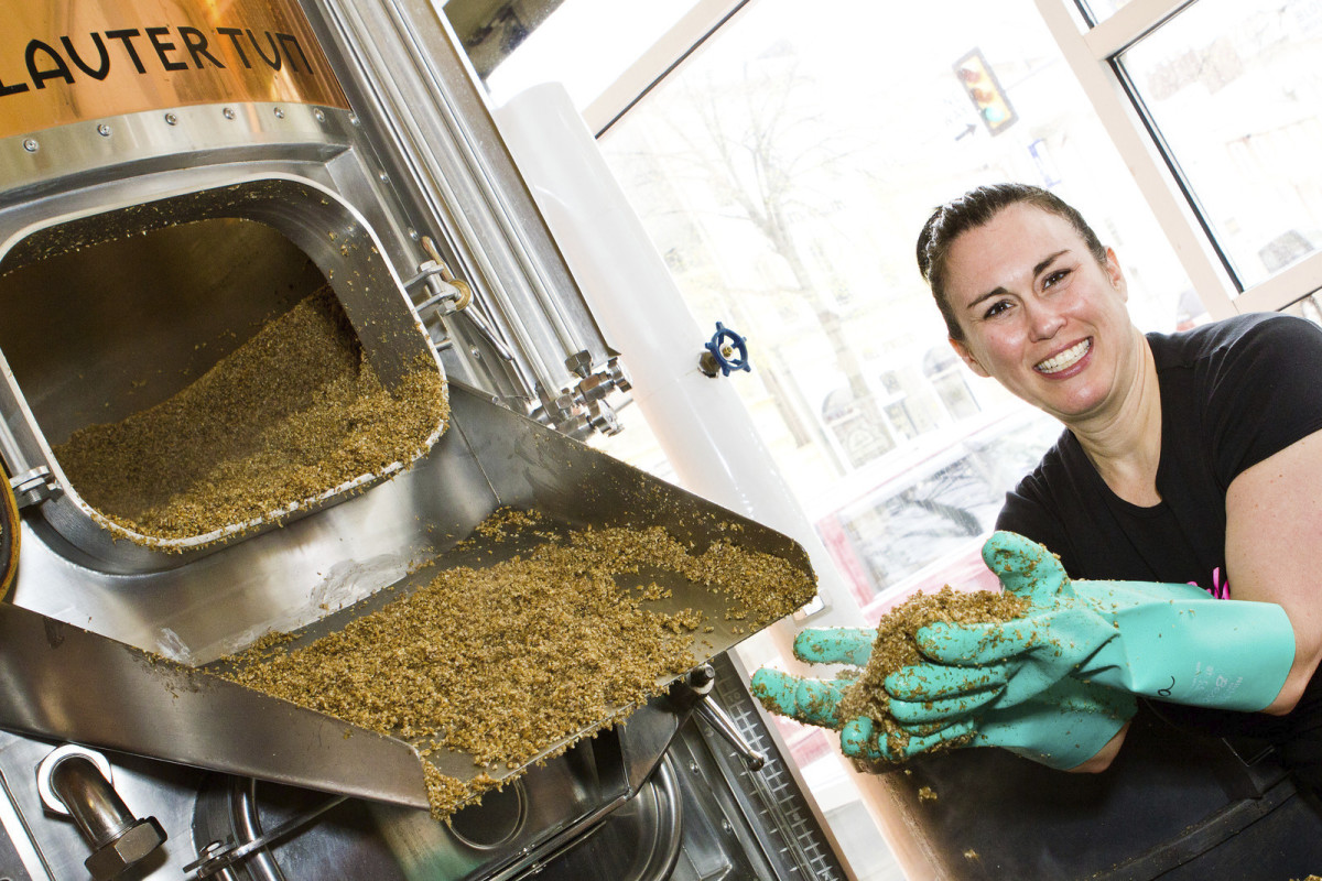 Ronna Dewey, Beer-Making at Iron Hill Brewery